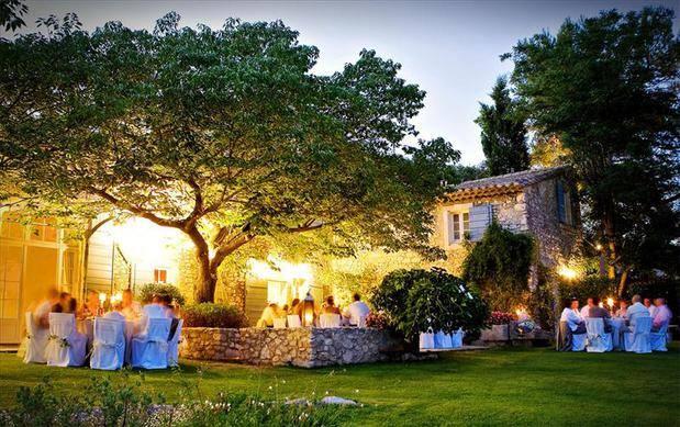 mariage sur mesure avec dans une hacienda en espagne avec une organisatrice de mariage wedding. Black Bedroom Furniture Sets. Home Design Ideas